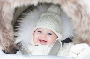 Как одевать новорожденного на прогулку зимой?